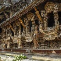 Деревянные скульптуры Храма Истины. Паттайя. Тайланд. :: Rafael