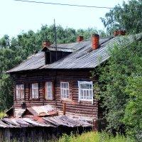 Шёл 2017г...  осторожно, дом жилой!! :: Александр Шимохин