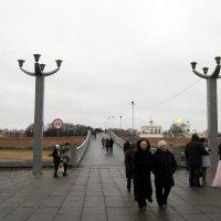 Кремлёвский пешеходный мост через реку Волхов в Новгороде. :: Ирина ***