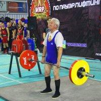 Александр Дамбинов. Вес взят (160 кг) :: Владимир Насыпаный