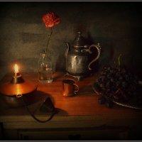 С масляной лампой... :: Пётр Галилеев