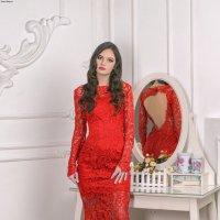 La fille en rouge. :: Сергей Гутерман