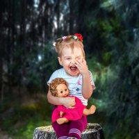 Малышка в лесу чудес-2 :: Владимир Деньгуб