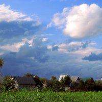 А в небе высоком отводили душу облака... :: Лидия Бараблина