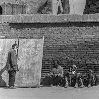 Площадь Регистан в Самарканде. Продажа ворот. :: Игорь Олегович Кравченко