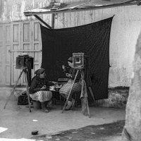 Площадь Регистан в Самарканде. Обед в уличном фотоателье. :: Игорь Олегович Кравченко