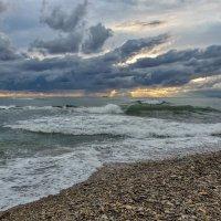 Неспокойно Черное море... :: Наталья Ильина