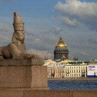 На набережной Невы :: Галина Козлова