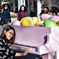 Праздничный рояль! :: Татьяна Помогалова