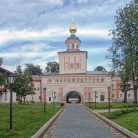 Церковь Архистратига Божьего Михаила :: Галина Каюмова