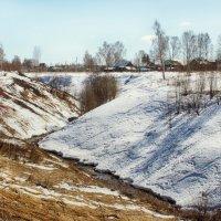 весна и зима сошлись на двух склонах :: Сергей Бойцов