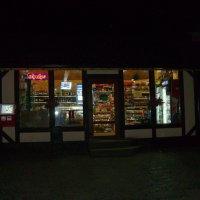 Ночной   магазин   в   Ивано - Франковске :: Андрей  Васильевич Коляскин