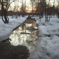 зеркальная дорожка к солнцу :: Александр Иванов