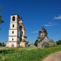 Ухтома. Две церкви :: Сергей Никитин