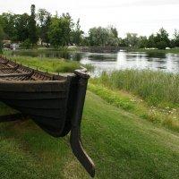 У  краеведческого музея и музея старых кораблей в Савонлинне :: Елена Павлова (Смолова)