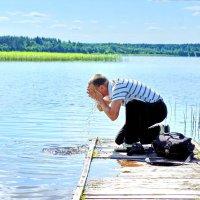 Умыться озерной водой :: Валерий Талашов