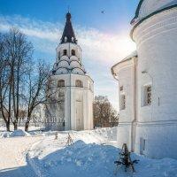 Колокольня и солнце :: Юлия Батурина