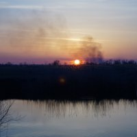 Сиреневый закат в пойме :: Евгений Зубков