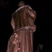 Памятник вождю  2 :: Сергей
