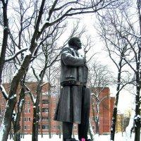 Памятник вождю  3 :: Сергей