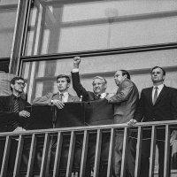 Москва во время путча ГКЧП. Б.Ельцин выступает перед народом с балкона Белого дома. :: Игорь Олегович Кравченко