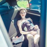Девушка в машине :: Виктория Балашова