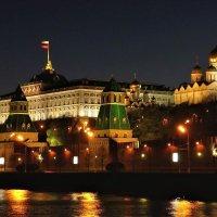Кремлевская набережная вечером :: Ирина Via