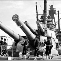 "Band marching in front of the forward 12 guns on the French battleship ""Paris"", 1939. :: Александр"