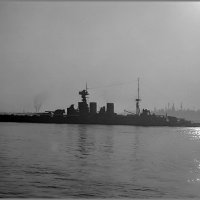 "Battlecruiser HMS ""Hood"" silhouetted in Vancouver harbour, June 25-26th 1924. :: Александр"