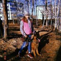 На прогулке с собакой. :: Диана