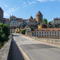 замок Монбард  10-ый век  (chateau de Montbard) :: Георгий