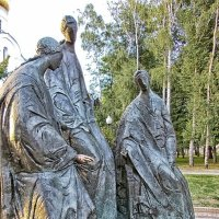 Памятник Святой Троице :: Галина Каюмова