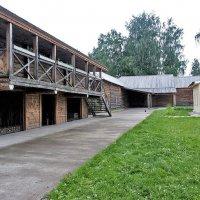 Хозяйственные постройки дома Чайковских в Воткинске. Удмуртия :: MILAV V