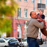 Фото на улице :: Сергей Землянский