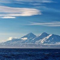 Лучше гор, только вулканы, море и синее небо. :: Сергей Ш.