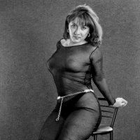 На стуле. :: Александр Бабаев