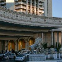 Подъезжаем к отелю Caesars Palace (Дворец Цезаря), Лас Вегас :: Юрий Поляков