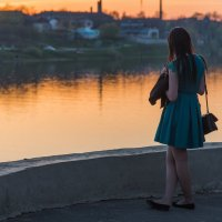 Созерцание вечернего Пскова. :: Виктор Евстратов