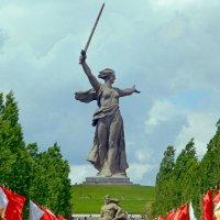 И Родина-мать на высоте 102! :: Александр Машков (alex2009vm)