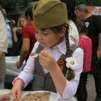 Да....вкусная солдатская каша :: Светлана Казмина