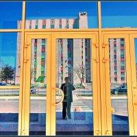 Селфи на фоне ... :: Валерий Талашов