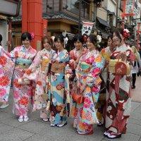 Японские школьницы :: Евгений Золотаев