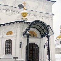 Двери храма :: Галина Каюмова