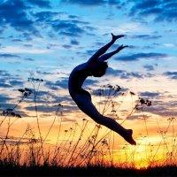 Прыжок к мечте :: Анастасия Агафонова