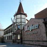 Пивной ресторан и пивоварня с магазином :: Виктор
