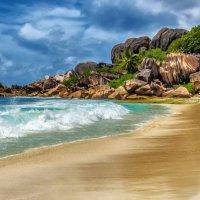 на райском пляже (почти) :: Георгий