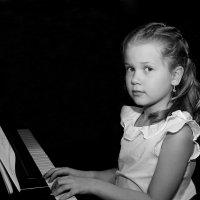 Пианистка. :: Jakob Gardok