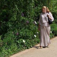 Женщина и цветы :: dindin