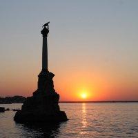 Закат  на  море :: Александр Паклин
