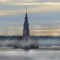 Колокольня Никольского собора :: Владимир Кириченко  wlad113